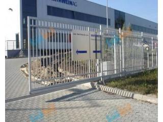 Разница установки автоматических откатных ворот уличных и в помещениях